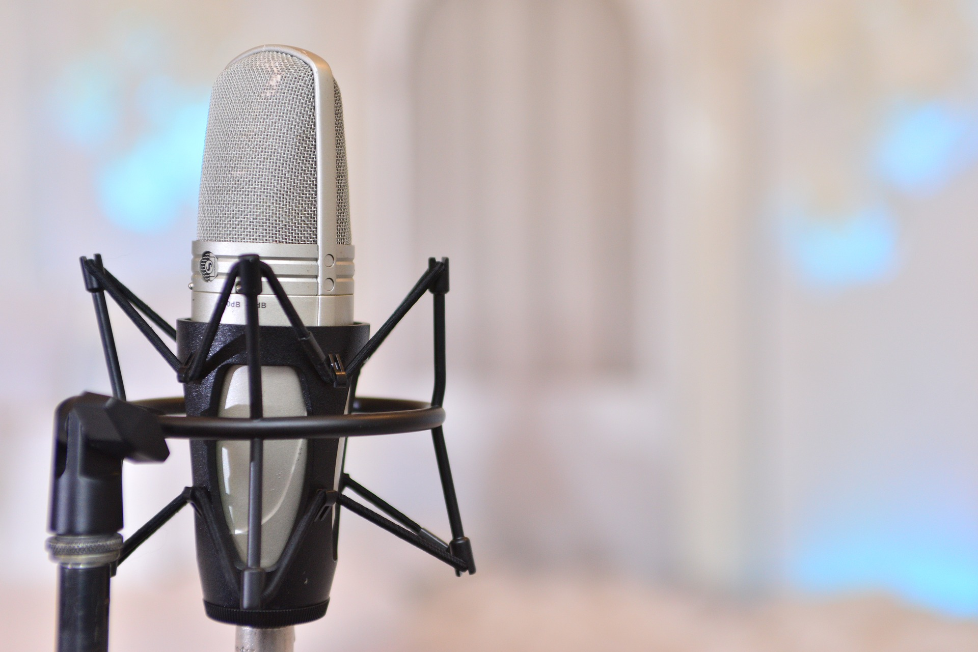 voiceover microphone, voice talent, professional voiceover